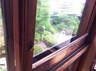 新茶屋2階庭.JPG